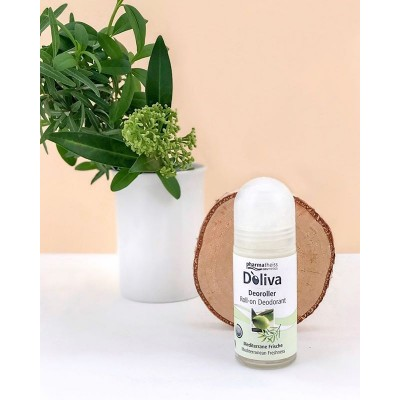 Кульковий дезодорант «Середземноморська свіжість» ⠀ ✅надійно захищає від неприємного запаху ✅дбайливо доглядає за шкірою та залишає відчуття свіжості на 24 години ✅перешкоджає появі подразнення на шкірі після гоління ⠀ Збалансована формула продукту не пересушує і не дратує чутливу шкіру. Комплекс рослинних компонентів заспокоює шкіру і забезпечує надійний захист від неприємного запаху. ⠀ Основні компоненти: ⠀ 🍃Нерафінована оливкова олія холодного віджиму 🍃Ліналоол ⠀ 🙅♀️ Не містить спирту. ⠀ 👐 Як застосовувати: наносити на чисту суху шкіру в пахвовій області ⠀ 🛒 Де можна придбати: в аптеках або на makeup.com.ua ⠀ . ⠀ . ⠀ #doliva#pharmatheiss#cosmetics#долива#косметика#растительнаякосметика#натуральнаякосметика#кремдлялица#рослиннакосметика#натуральнакосметика#doliva_ukraine#уходзакожей#немецкаякосметика#аптечнаякосметика#аптечнакосметика#дезодорант#долива